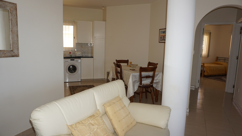 HL0321 – 2 Bedroom Apartment – Holiday Let – Kato Paphos