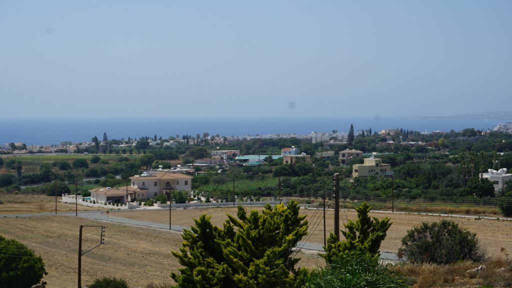 2 Bed – Seaview Town House -Chloraka- R0418
