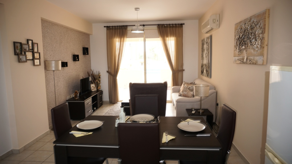 2 Bed Luxury , grounf floor apartment – Tomb of the kings