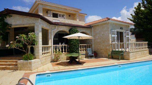 5 Bed villa – seacaves – r0343