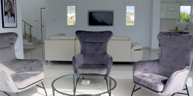 3Chairs-TV2