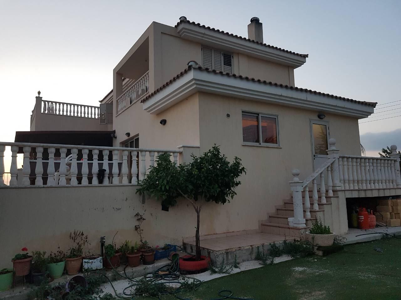 L0367 – 4 Bedroom Villa – For Rent – Mesogi