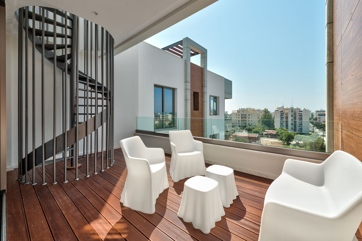 R0385 – 3 Bedroom Luxury Apartment – Tomb of the Kings