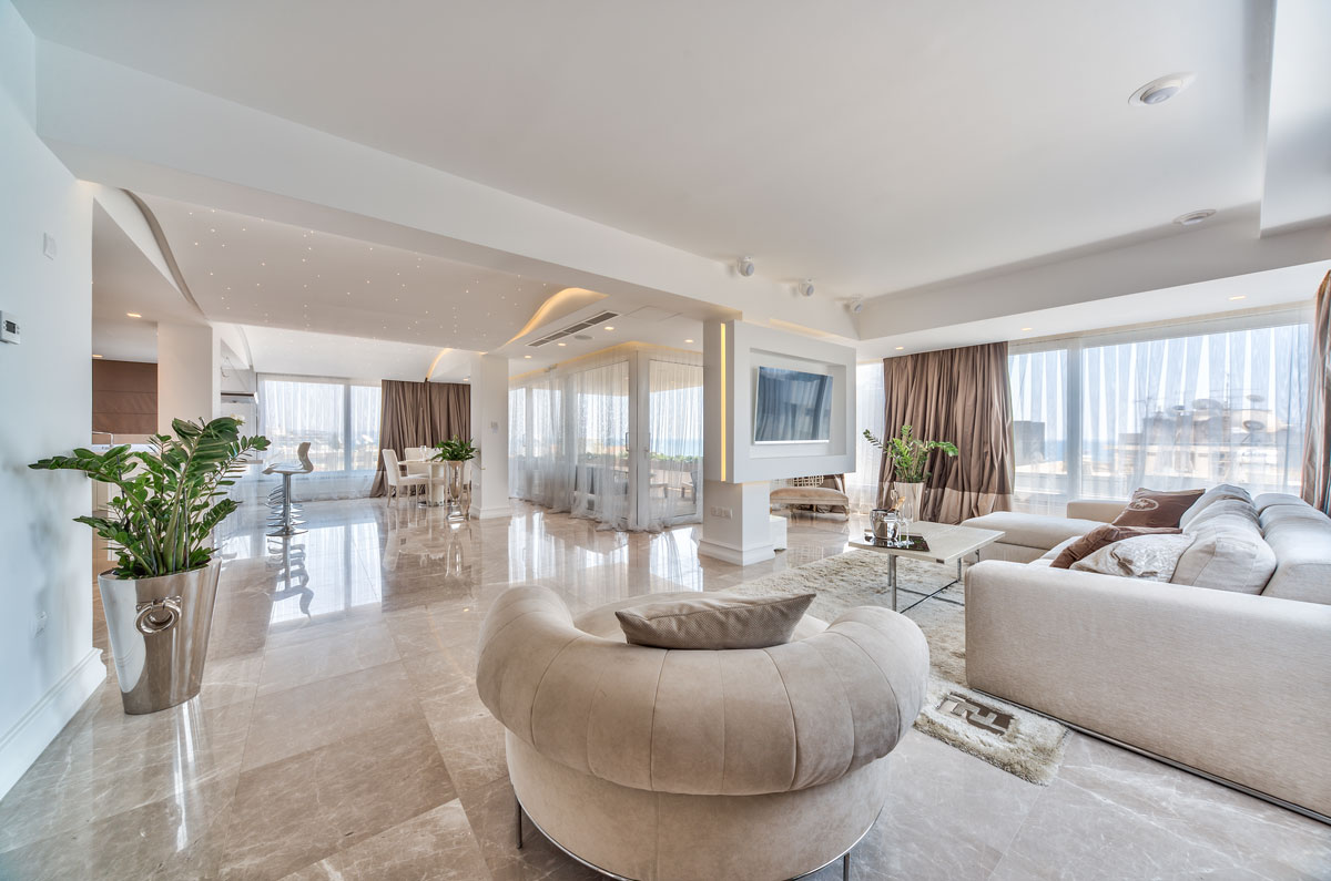 R0384 – 2 Bedroom Luxury Apartments – Tomb of the Kings