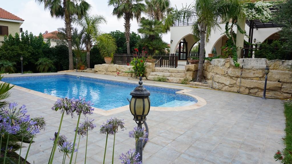 R0393 – Luxury 6 Bedroom Villa – Konia