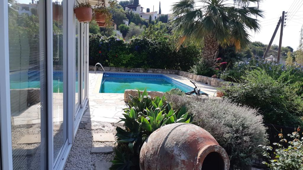 3 Bed Bungalow- Kamares – R0423