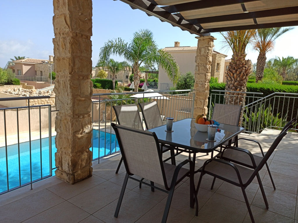 3 bed luxuary villas for holiday let