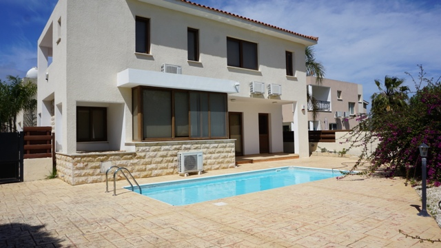 3 bed villa – Kissonerga – For Sale