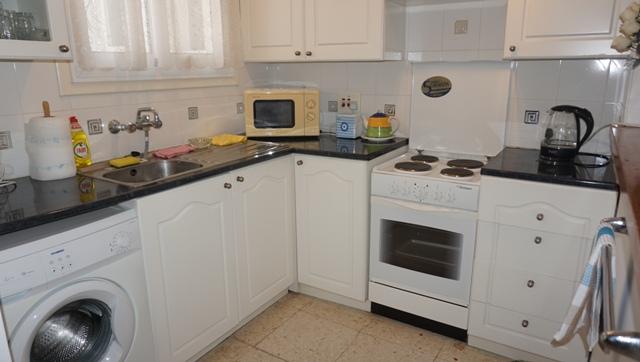 Kitchen 1735